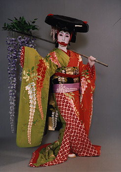 "Ada tarian Kabuki yang terkenal judulnya ""Fuji musume""(gadis fuji)."